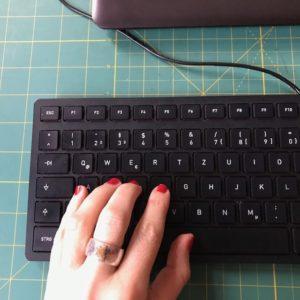 Schreiben, schreiben, schreiben und schreiben.