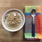 Unter dem Porridge waren noch Früchte.