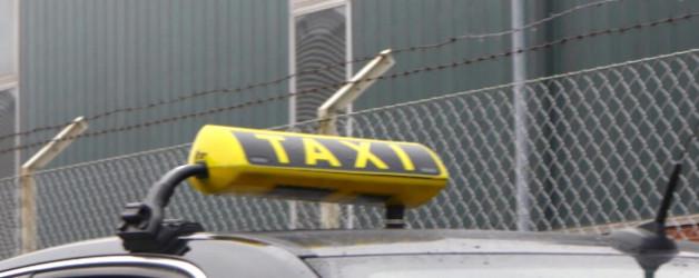 Taval arbeitet ohne Partner oder plötzlich ist die Taxifahrerin Marianne aufgetaucht